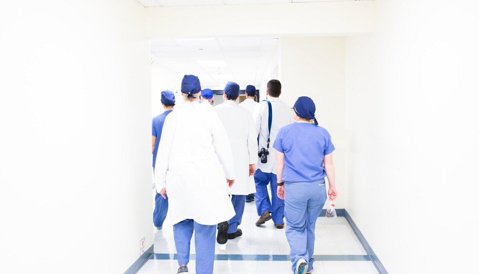 Haigla haigla kogus, kui lahkute pereliige
